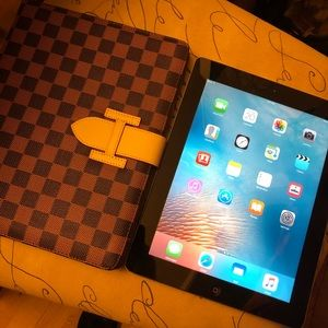 iPad 2 with new case excellent condition